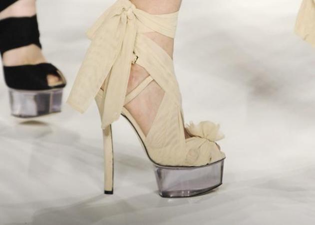 Κριτικές για ρούχα και παπούτσια - Σελίδα 218 • e-steki 43fdbc93753